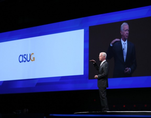Capt. Sullenberger speaking before the Americas' SAP Users' Group (alt)